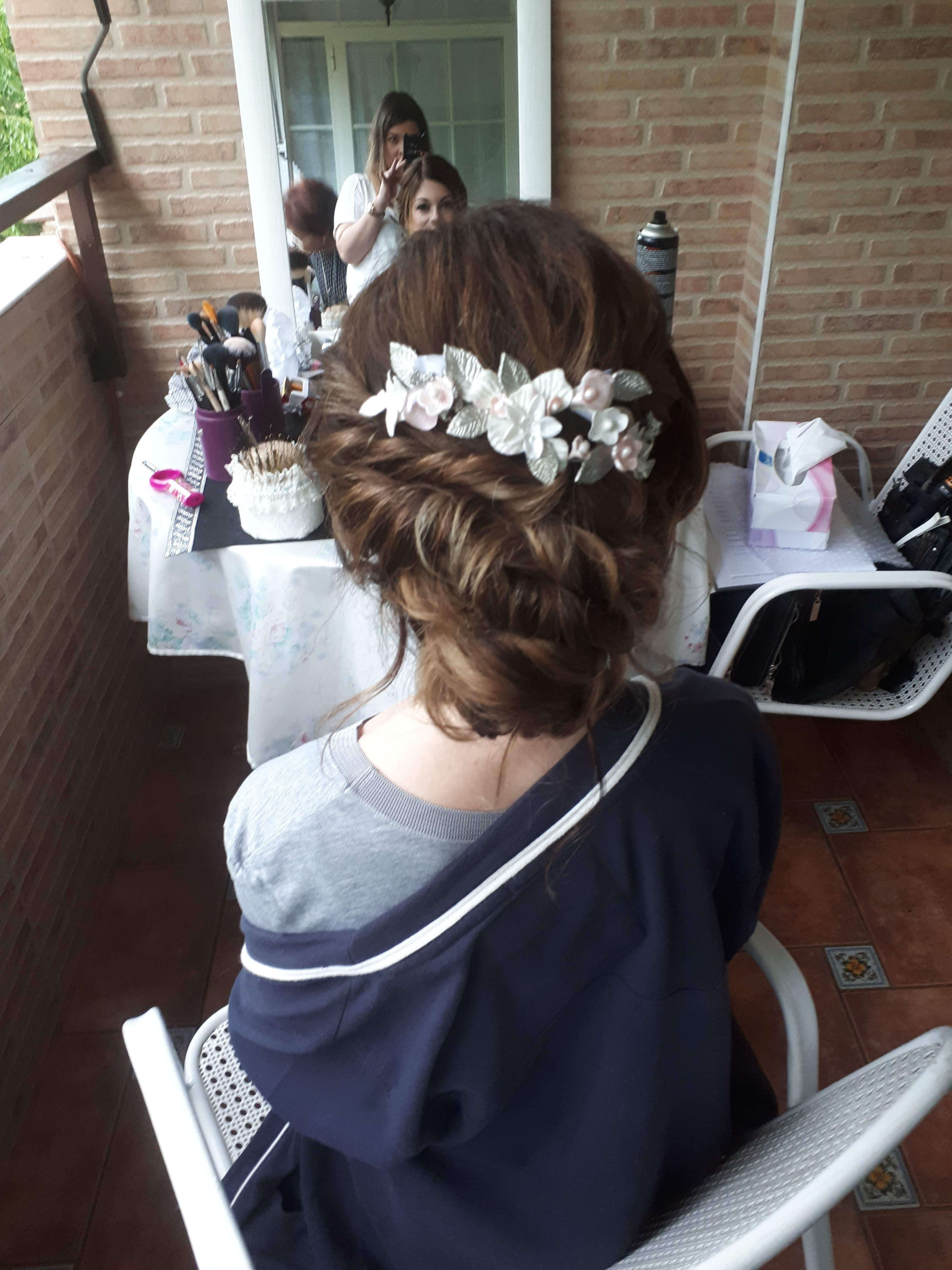 recogido-novia-flores y maquillaje-7